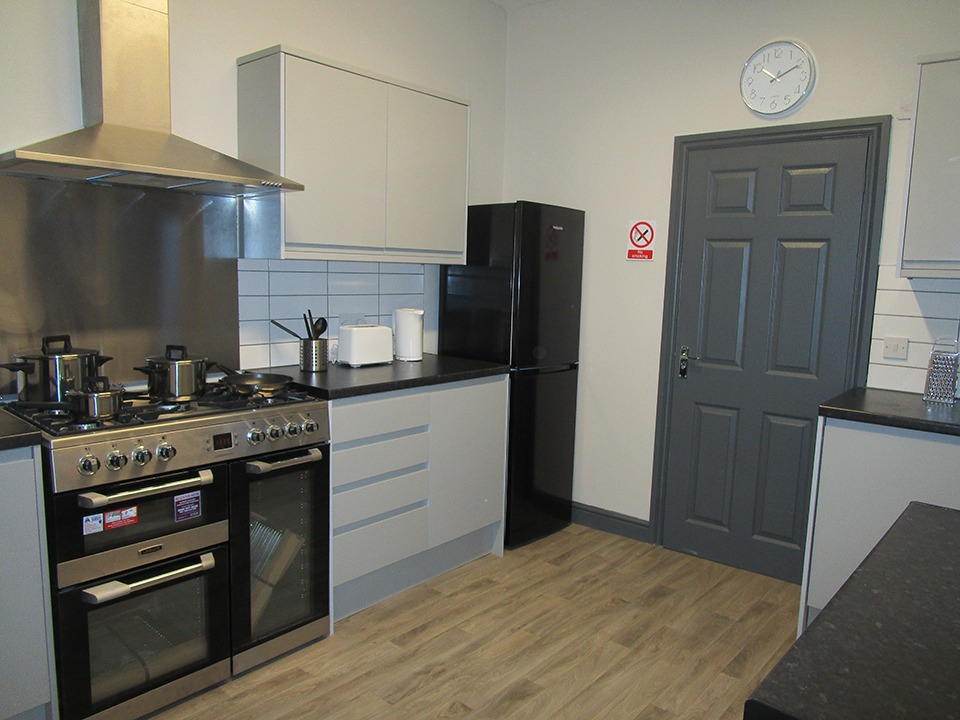 Newly Refurbed 6 Bed HMO For Sale