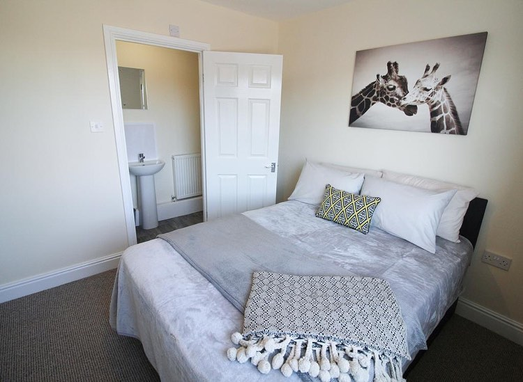 Super 5 Bed All Ensuite HMO Property For Sale