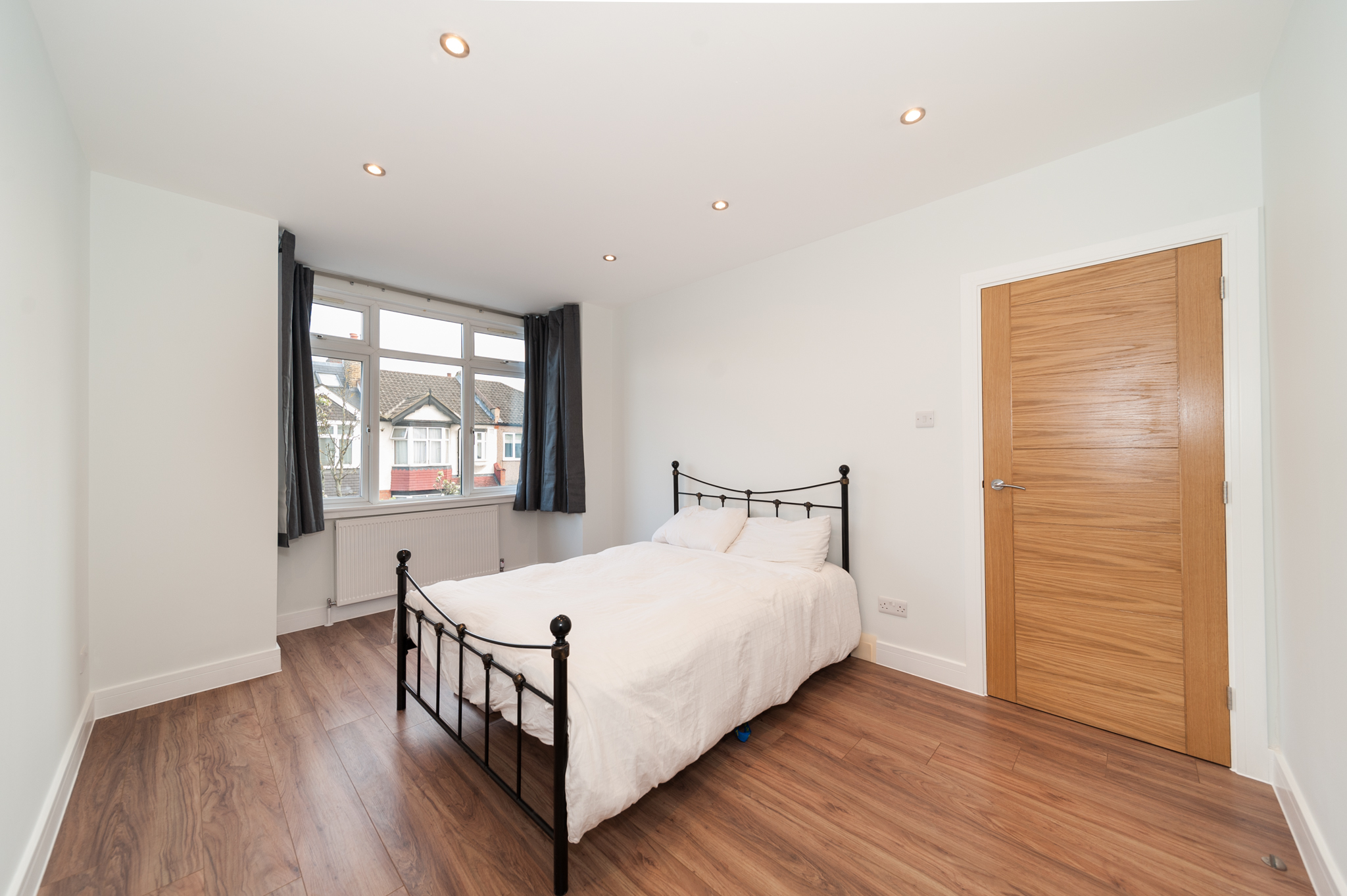 Amazing Refurbed 5 Bed HMO - Guaranteed Rent Option For Sale